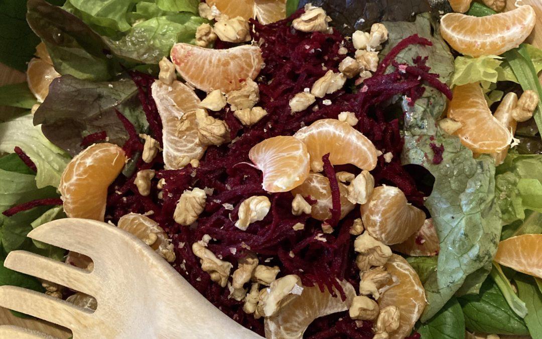 Salade de mâche, betteraves, clémentine et noix